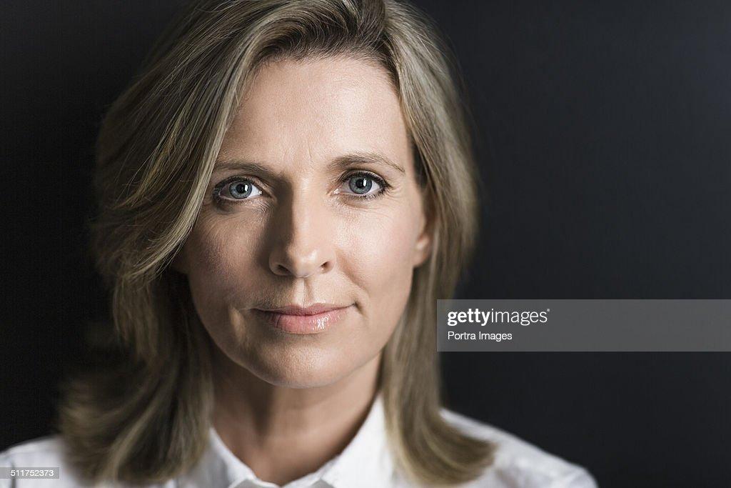 Close-up of confident businesswoman : Stock-Foto