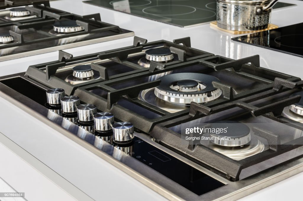 Beau Close Up Of Cooktop In Kitchen