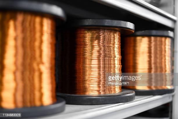 close-up of copper wires on shelf - arame imagens e fotografias de stock