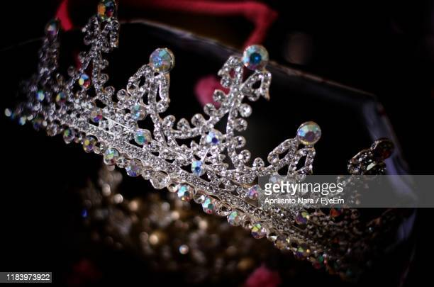 close-up of crown - crown close up stock pictures, royalty-free photos & images