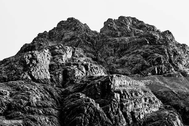 close-up of cuillin mountain ridge, isle of skye - pietra roccia foto e immagini stock