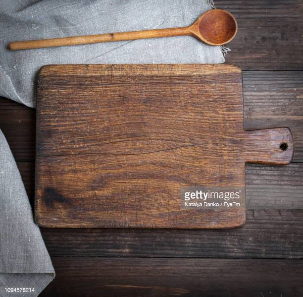 close-up of cutting board on table - cutting board stock pictures, royalty-free photos & images
