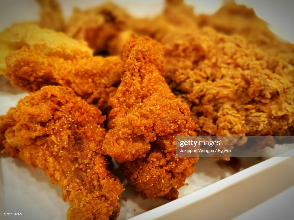 Close-Up Of Deep Fried Chickens Served In Plate : Stock Photo