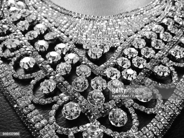 close-up of diamond necklace - diamond necklace stock pictures, royalty-free photos & images