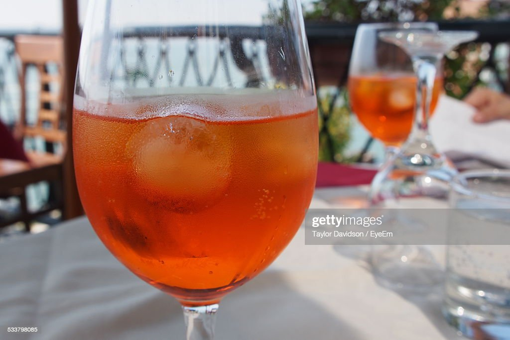 Close-Up Of Drink In Wineglass On Table : Foto stock