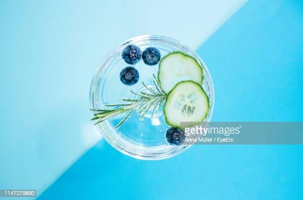 close-up of drink on table - tonic water stock pictures, royalty-free photos & images