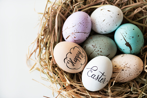 Closeup of easter eggs 922263978
