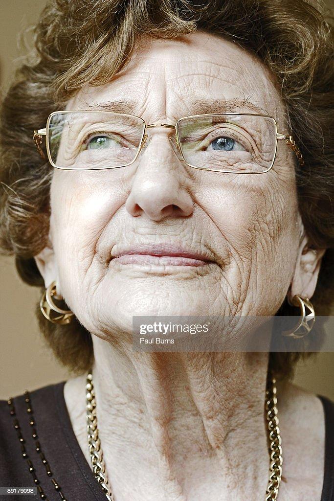Close-up of Elderly Woman's Face : ストックフォト