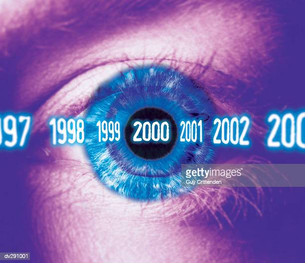 close-up of eye looking to the year 2000 - 西暦2000年 ストックフォトと画像