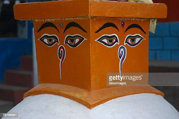 close-up of eyes of buddha painted on a stupa, ghorapani, annapurna range, himalayas, nepal - 仏陀の目 ストックフォトと画像
