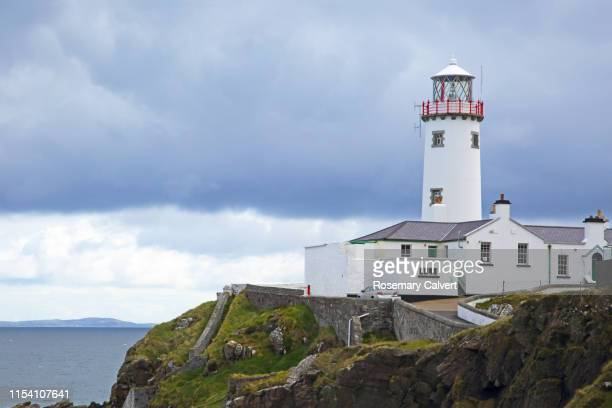 close-up of fanad head lighthouse, county donegal, ireland. - ulster province stock pictures, royalty-free photos & images