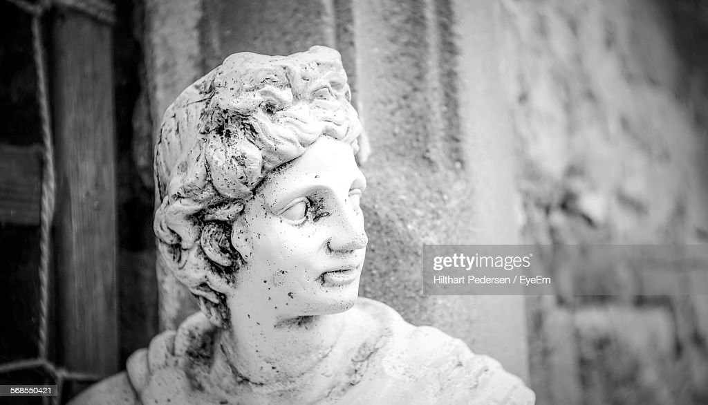 Close-Up Of Female Sculpture : Stock Photo