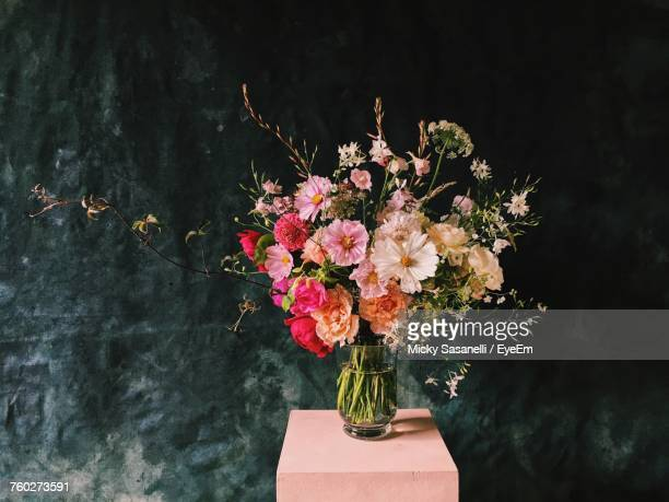 close-up of flowers in vase - flower head stock pictures, royalty-free photos & images