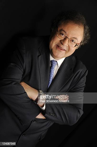 Closeup of Frederic Lodeon and Marie Drucker in the 16th France's best classical artists of the year in Metz France on February 08 2009 Frederic...