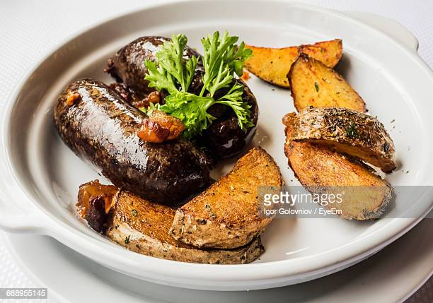 close-up of fried meat in plate - igor golovniov stock pictures, royalty-free photos & images