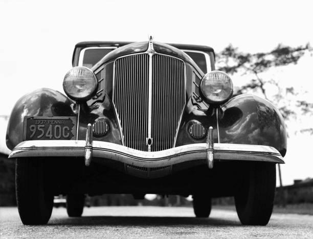 Front view of 1930s car