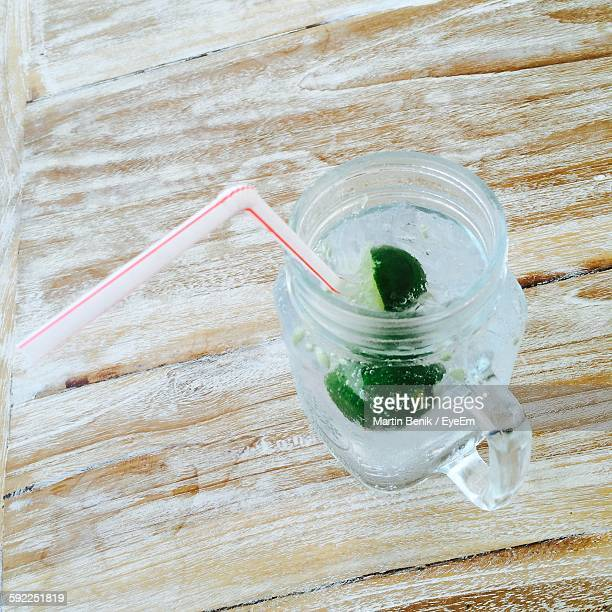 Close-Up Of Gin And Tonic Drink