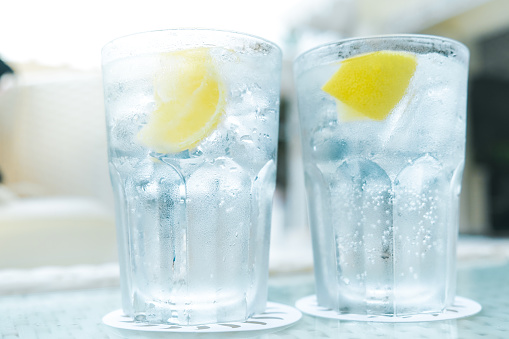 Close-Up Of Gin-Tonic In Glass On Table - gettyimageskorea