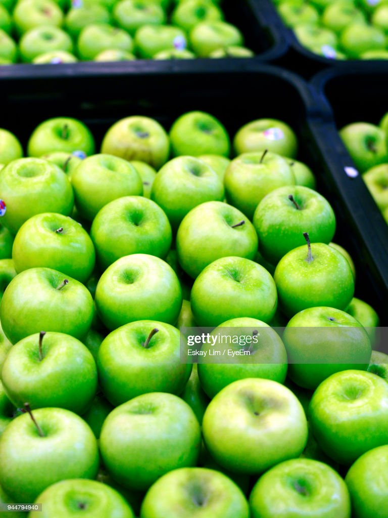 Close-Up Of Granny Smith Apples For Sale : Stock Photo