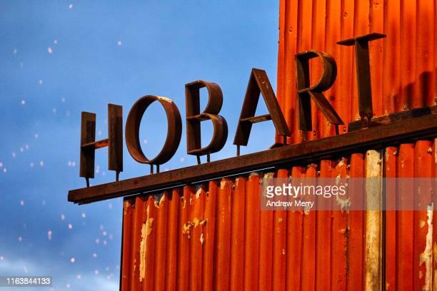 closeup of hobart sign at night - タスマニア州 ホバート ストックフォトと画像