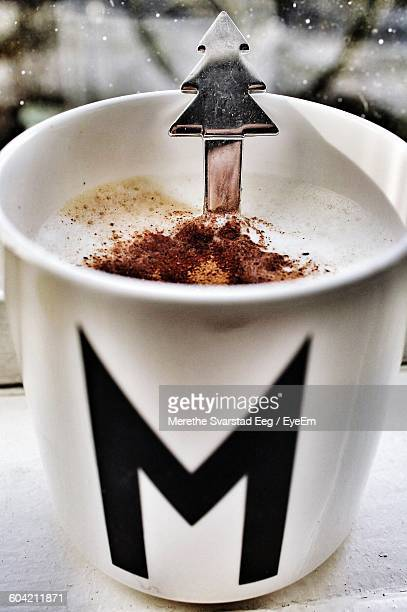 close-up of hot chocolate mug during christmas - letter m stock pictures, royalty-free photos & images