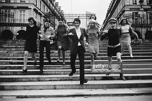 Closeup Of Jacques Dutronc Illustration de la chanson 'Playboys' où Jacques DUTRONC chante les mérites de 'ceux qui savent parler aux mannequins de...