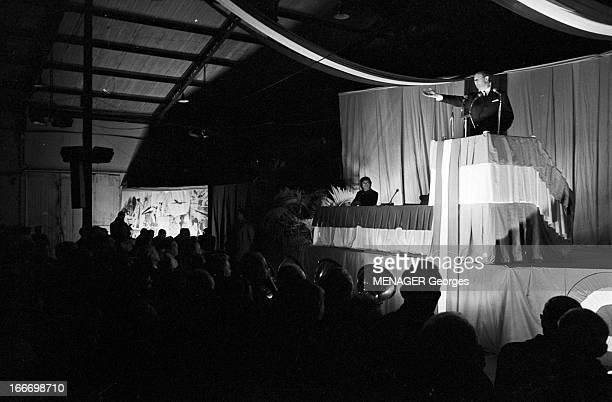 CloseUp Of Jean Lecanuet En novembre 1965 un meeting avec le sénateur Jean LECANUET à l'occasion de sa candidature à l'élection présidentielleIl fait...