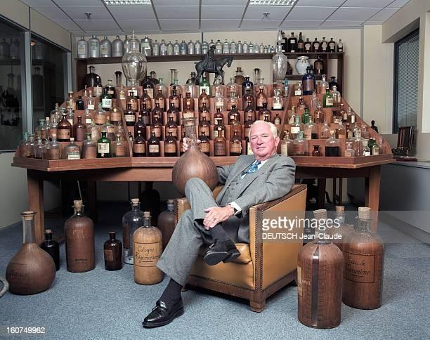 Close-up Of Jean-paul Guerlain. 24 janvier 2002, le parfumeur Jean-Paul GUERLAIN à l'usine d'Orphin, près de Rambouillet. Jean-Paul GUERLAIN assis...