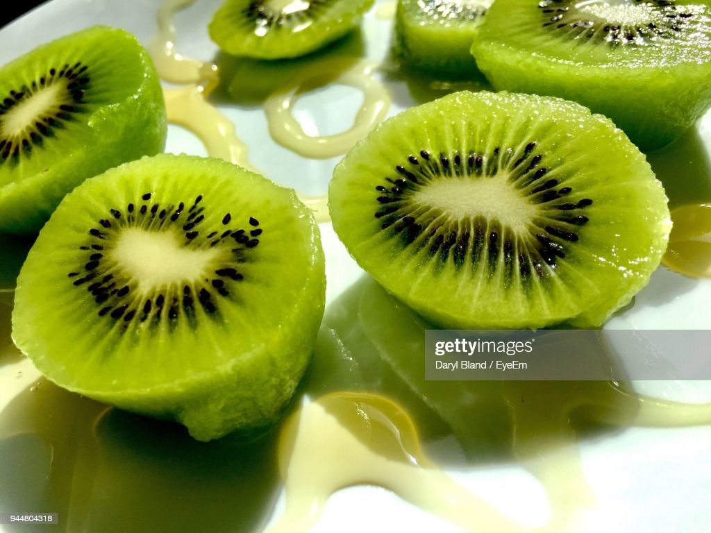Close-Up Of Kiwi Fruits : Stock Photo