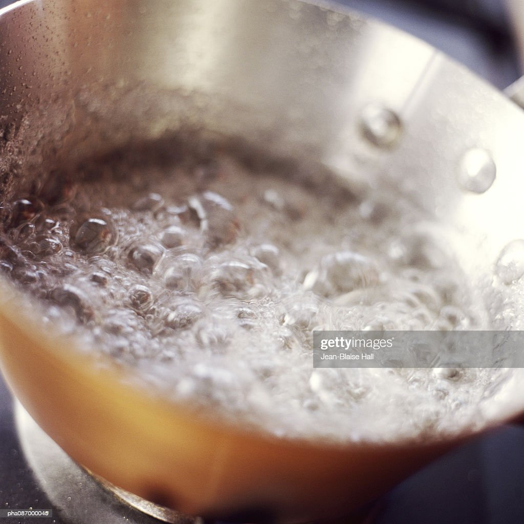 Close-up of liquid boiling. : Stockfoto