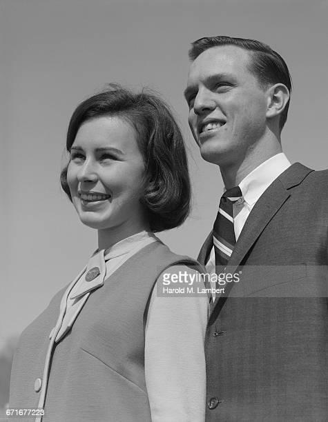 close-up of man and woman - {{ contactusnotification.cta }} stockfoto's en -beelden