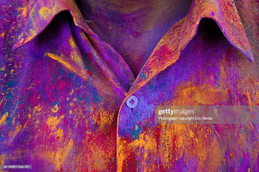 Close-up of man's shirt during holi festival : Stockfoto