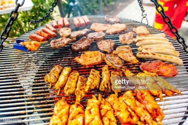 close-up of meat on barbecue grill,essen,germany - norbert zingel stock-fotos und bilder