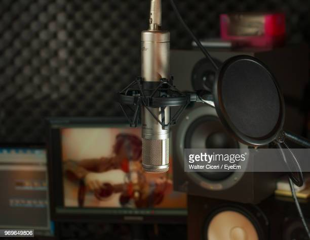 close-up of microphone at studio - walter ciceri foto e immagini stock