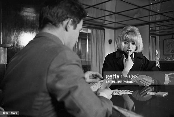 CloseUp Of Mireille Darc France 28 février 1966 l'actrice Mireille DARC après 10 ans de carrière accède enfin au rang de star du grand écran avec le...
