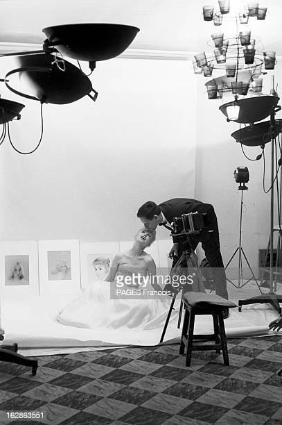 Close-Up Of Mylene Demongeot. Avril 1958. Séance de prise de vue pour l'actrice Mylène DEMONGEOT faite par son mari , le photographe Henri COSTE, qui...