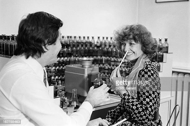 CloseUp Of Nicky Verfaillie The Former Camembert Merchant Become Queen Of Perfume Paris le 8 novembre 1976 Closeup Nicky VERFAILLIE excrémière sur...
