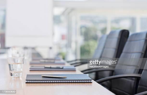 のクローズアップのノートは保管テーブル