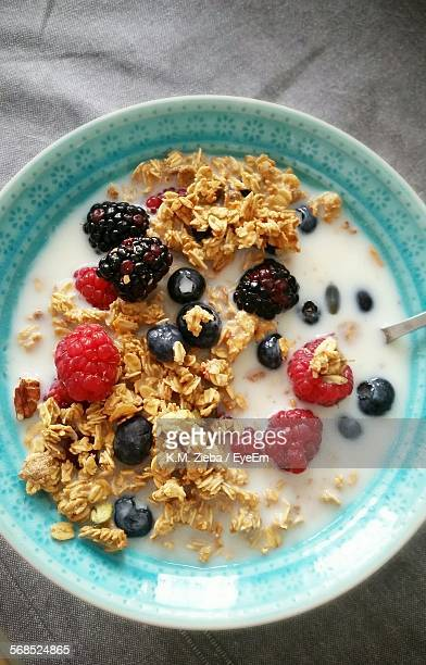 Close-Up Of Oat Flake Served With Fruits In Bowl