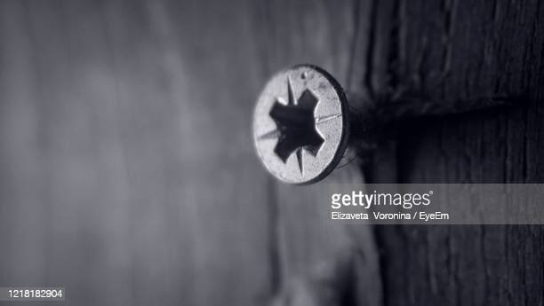 close-up of old door handle on wall - wall building feature stock pictures, royalty-free photos & images