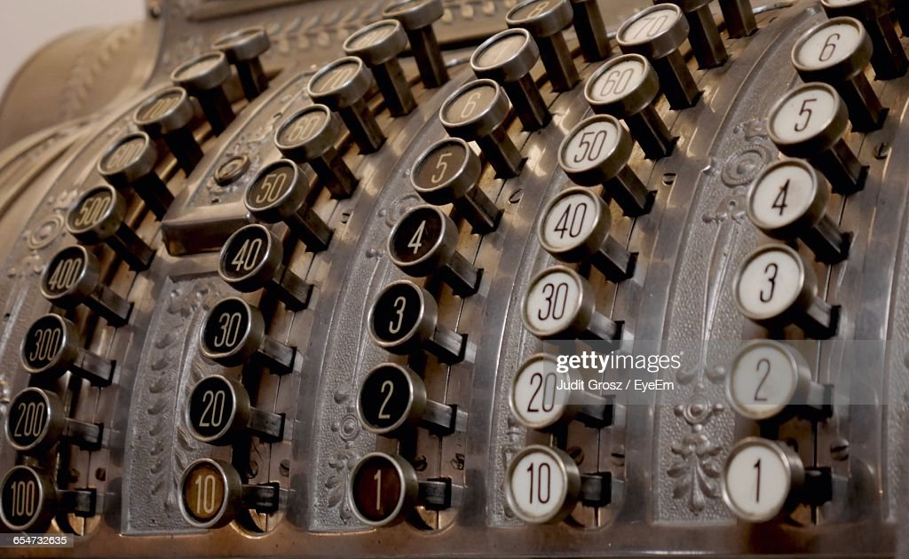 Close-Up Of Old-Fashioned Cash Register : Stock Photo