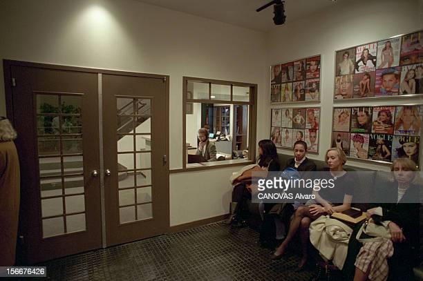 Closeup Of On John Casablancas Founder Of The Elite Modelling Agency In New York United States A NewYork le 25 février 1994 les filles sélectionnées...