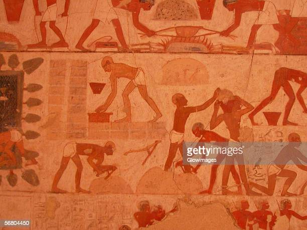 close-up of paintings on the wall, egypt - cave painting 個照片及圖片檔