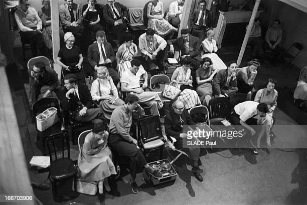 Close-Up Of Patricia Bosworth, Student Of Lee Strasberg Actor'S Studio In New York. En 1959, aux Etats Unis, à New York, vue en plongée de la classe...