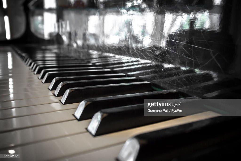 Close-Up Of Piano Keys : Photo