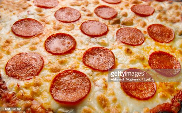 close-up of pizza - pepperoni pizza stock pictures, royalty-free photos & images