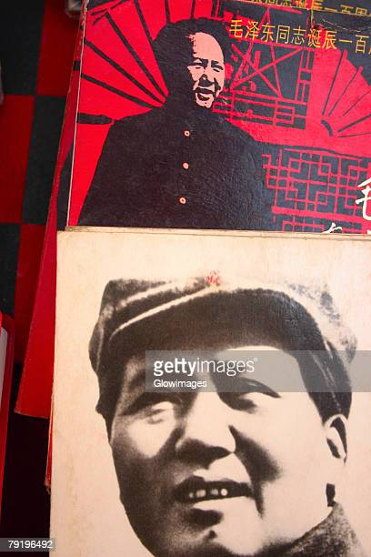close-up of posters of mao tse-tung, xi'an, shaanxi province, china - mao tsé toung stockfoto's en -beelden