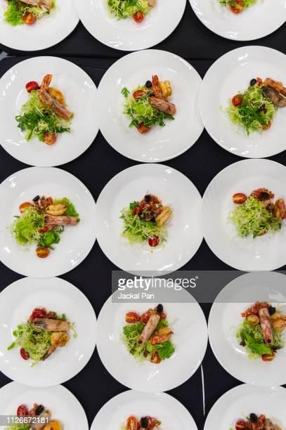 close-up of prawn salad - おかず系 ストックフォトと画像
