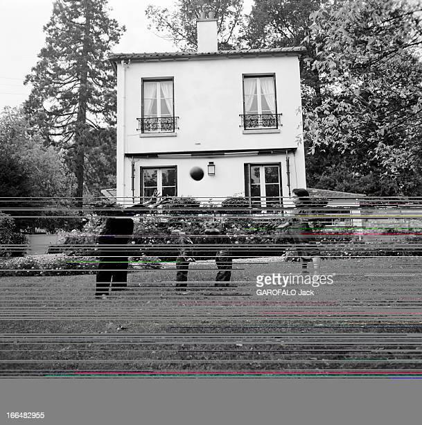 CloseUp Of Principal Dancer Georges Skibine France octobre 1956 les deux danseurs étoiles Georges SKIBINE et Marjorie TALLCHIEF son épouse dans leur...