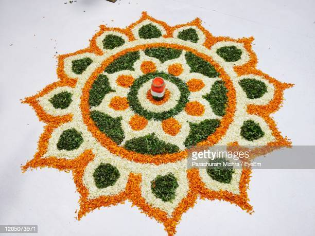 close-up of rangoli made using flower - rangoli stock pictures, royalty-free photos & images